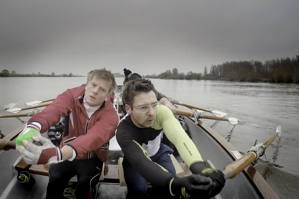 30-11-2014 HAttem, Bert en Sander roeien slag. foto Herman engbers