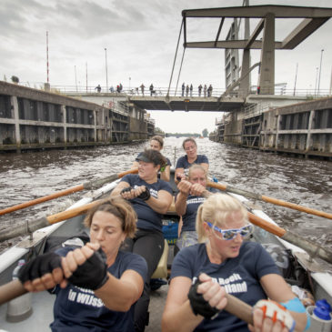 Damesteams sloeproeivereniging Hattem Roeit: toptijd en podiumplaats