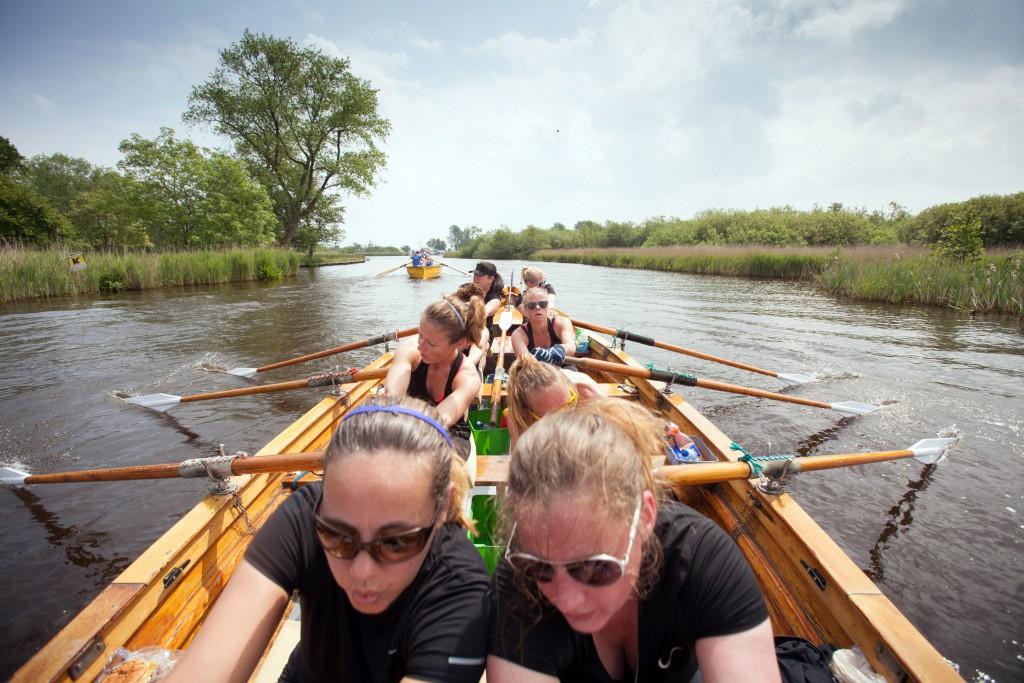 28-5-2016 Grou, dames IJsselkracht, Hattem Roeit roeien roeirace in Grou. foto Herman Engbers