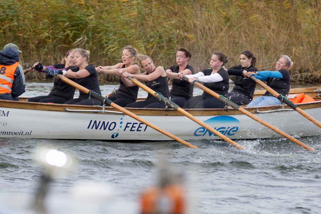 team IJsselkr8 finisht haar tweede heat op zaterdag.