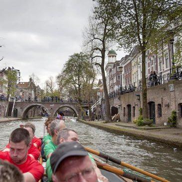 Hattem Roeit door Utrechtse grachten